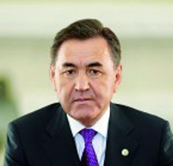 portret-kasymbekov-m-b-200x300