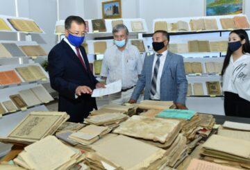 Әл-Фараби кітапханасы сирек кездесетін көне кітаптармен толықты